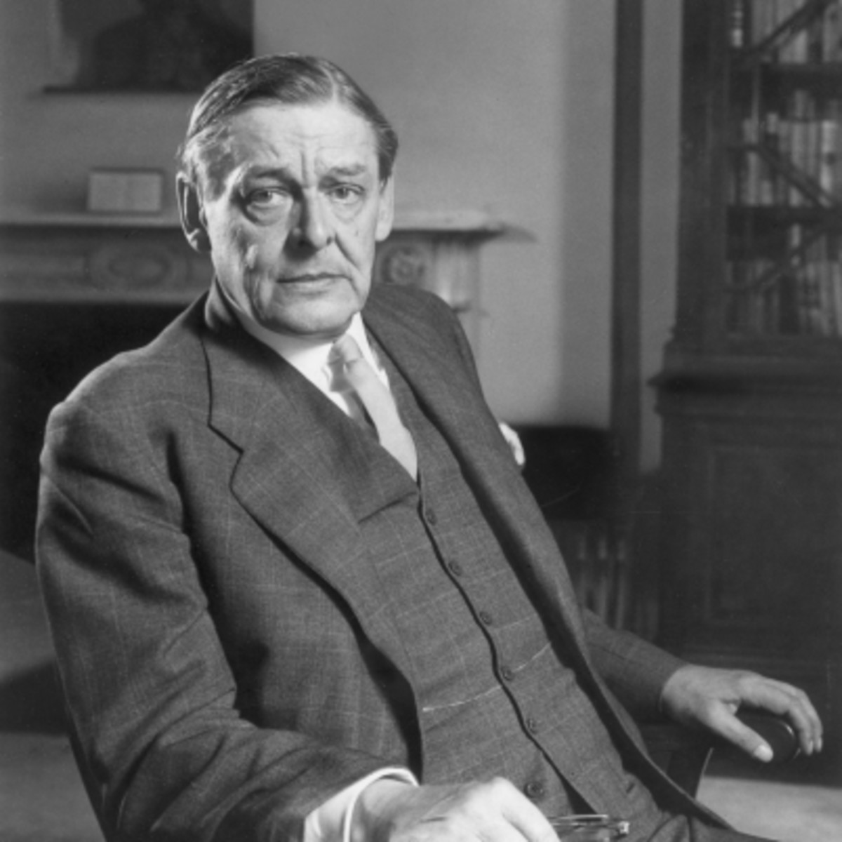 a brief biography of thomas stearns eliot Tseliot - a short biography (all videos taken from bbc and copyright infringement was not intended).