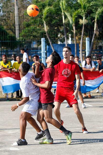 terrenos de la Ciudad Deportiva durante el Primer campeonato de fútbol callejero en Cuba.