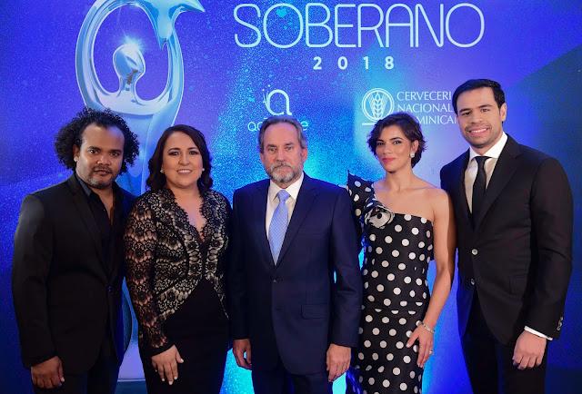 Alberto Zayas, Emelyn Baldera, Franklin León, Nashla Bogaert y Roberto Ángel