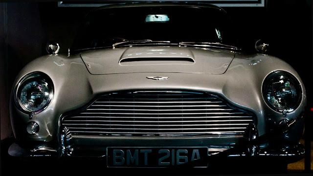 Aston Martin DB5 1960s British classic sports car