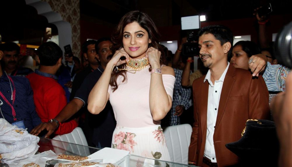 Shamita Shetty In Pink Dress Inaugurates 11th Edition Of IIfjas