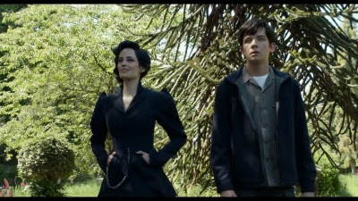 Miss Peregrine's Home for Peculiar Children (Movie) - Trailer 2 - Screenshot