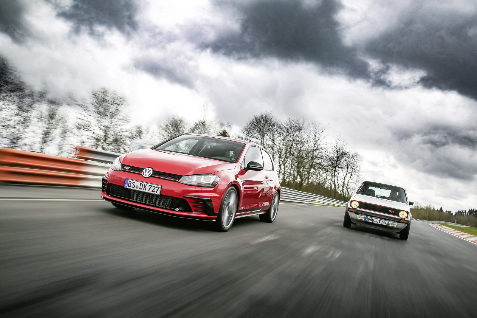 VW Drops More Photos Of The Golf GTI Clubsport Edition 40 ...