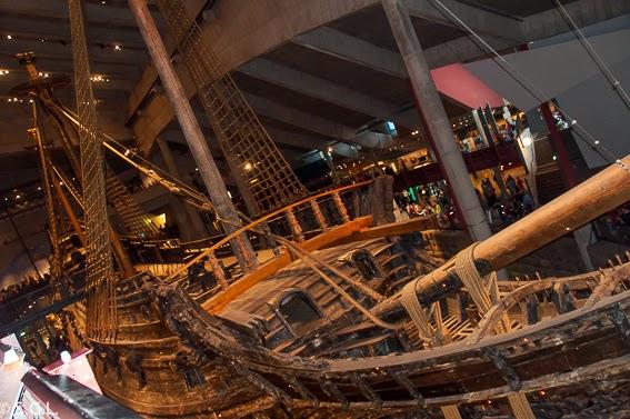 Cubierta del barco Vasa, un galeon del S. XVII en Estocolmo