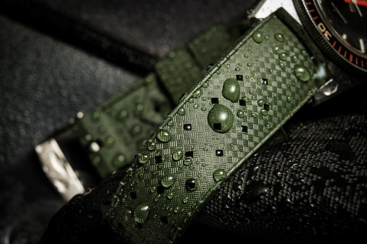 Le retour du bracelet Tropic.  TROPIC%2Bstraps%2B10