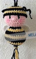 http://patronesamigurumis.blogspot.com.es/2013/07/patron-muneco-abeja.html