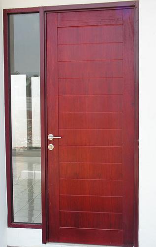 MANDIRI KUSEN: pintu utama & garasi