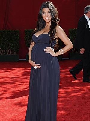 Kourtney Kardashian s Pregnancy StyleKourtney Kardashian Pregnant Style 2012