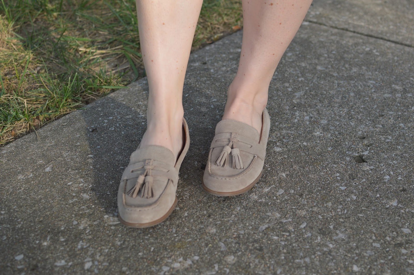 tommy hilfiger loafers | cute loafers | beige tassel loafers
