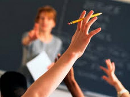 Tanítót keres a Megyeri úti suli