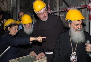 Resultado de imagem para edícula igreja do santo sepulcro em jerusalém