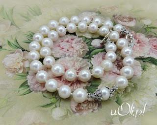 Naturalne perły w bieli