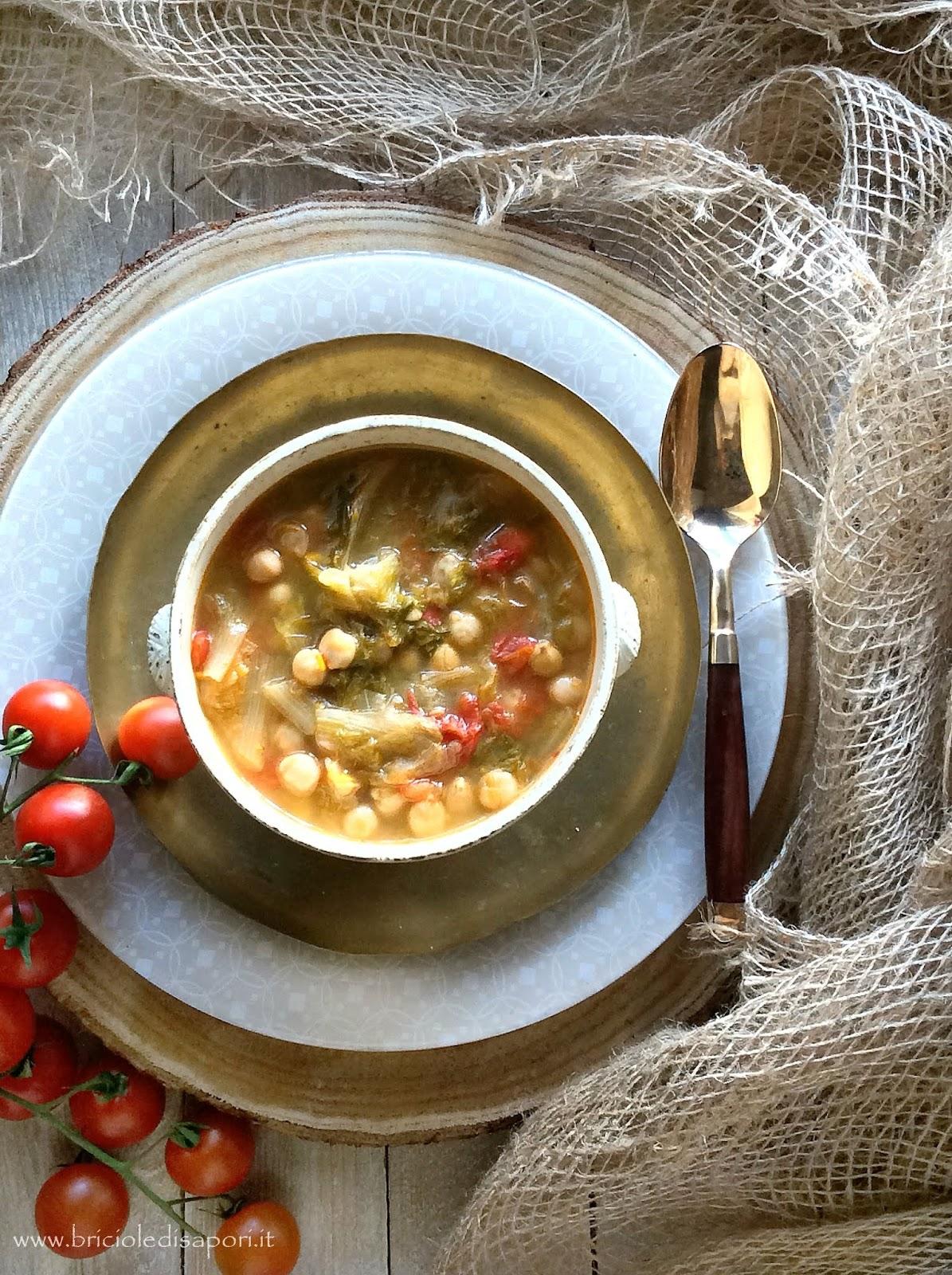 zuppa con scarola ceci e pomodori