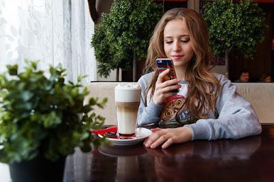 5 Efek Negatif Smartphone Bagi Kesehatan Kita