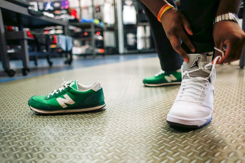 9581069f2c5 Experimentar calçados na hora das compras nos EUA