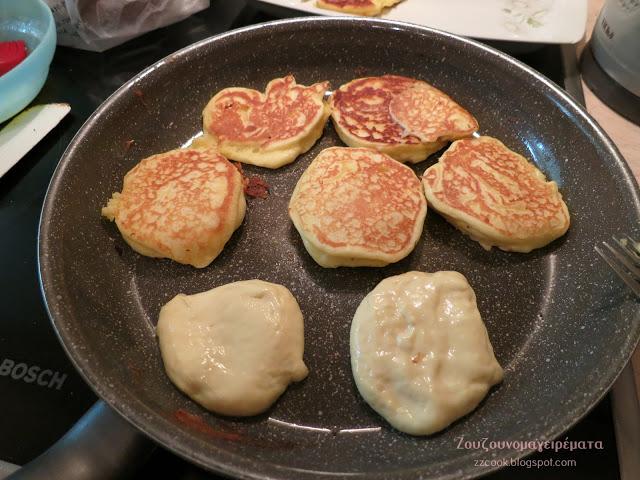 4 - Αφράτες και ελαφριές τηγανίτες γιαουρτιού για να φαγωθούν με τυριά, μέλι ή και μαρμελάδα