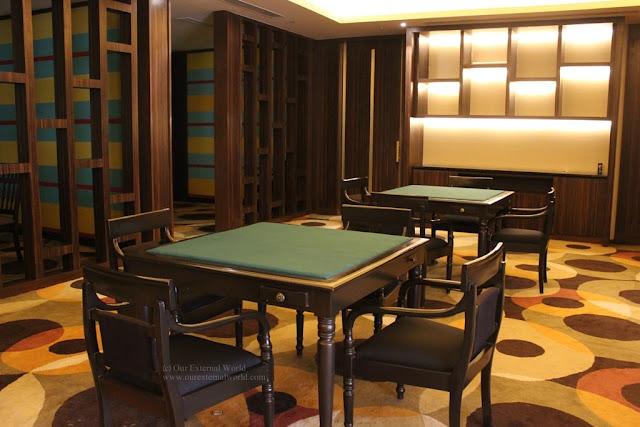 V Club, Card Room