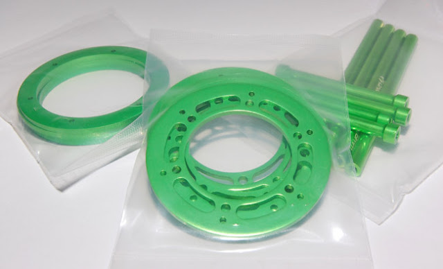 Axial AX10 Scorpion beadlock rings green