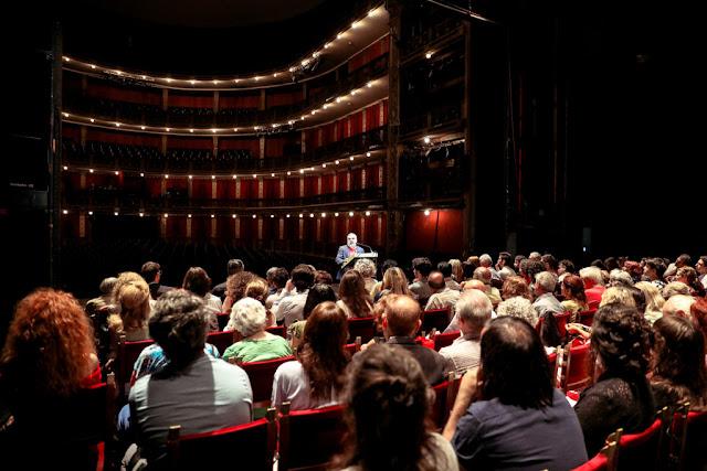 Alejandro Tantanian, compartió el balance de su primer año de gestión en el Teatro Cervantes