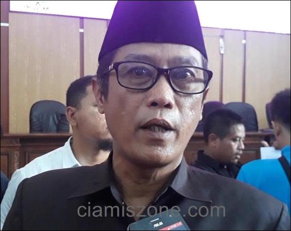 Dihadapan Pocong, Ketua DPRD Malu dan Akui Ada Keteledoran