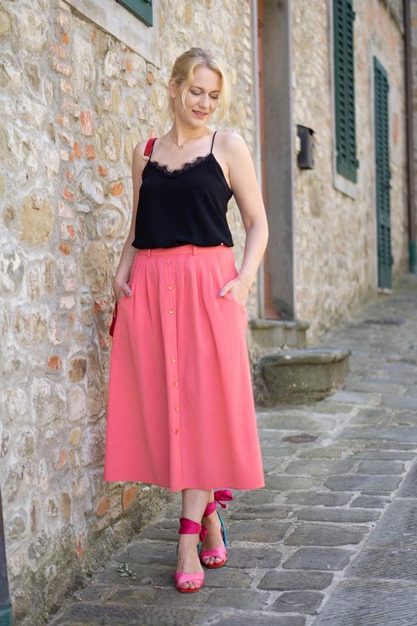 monabyfashion_8_pink_skirt.jpg