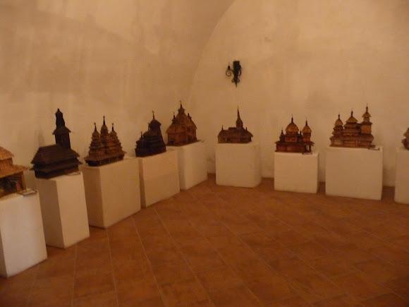 Збараж. Замок. Выставка макетов деревянных храмов