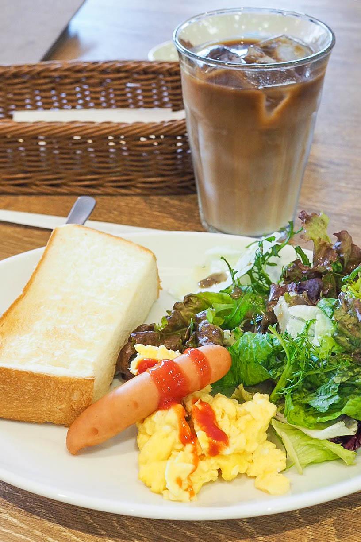 Sausage, eggs, salad, toast