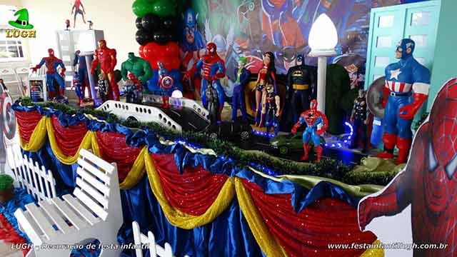 Decoração Super Heróis - Mesa luxo de tema de aniversário masculino