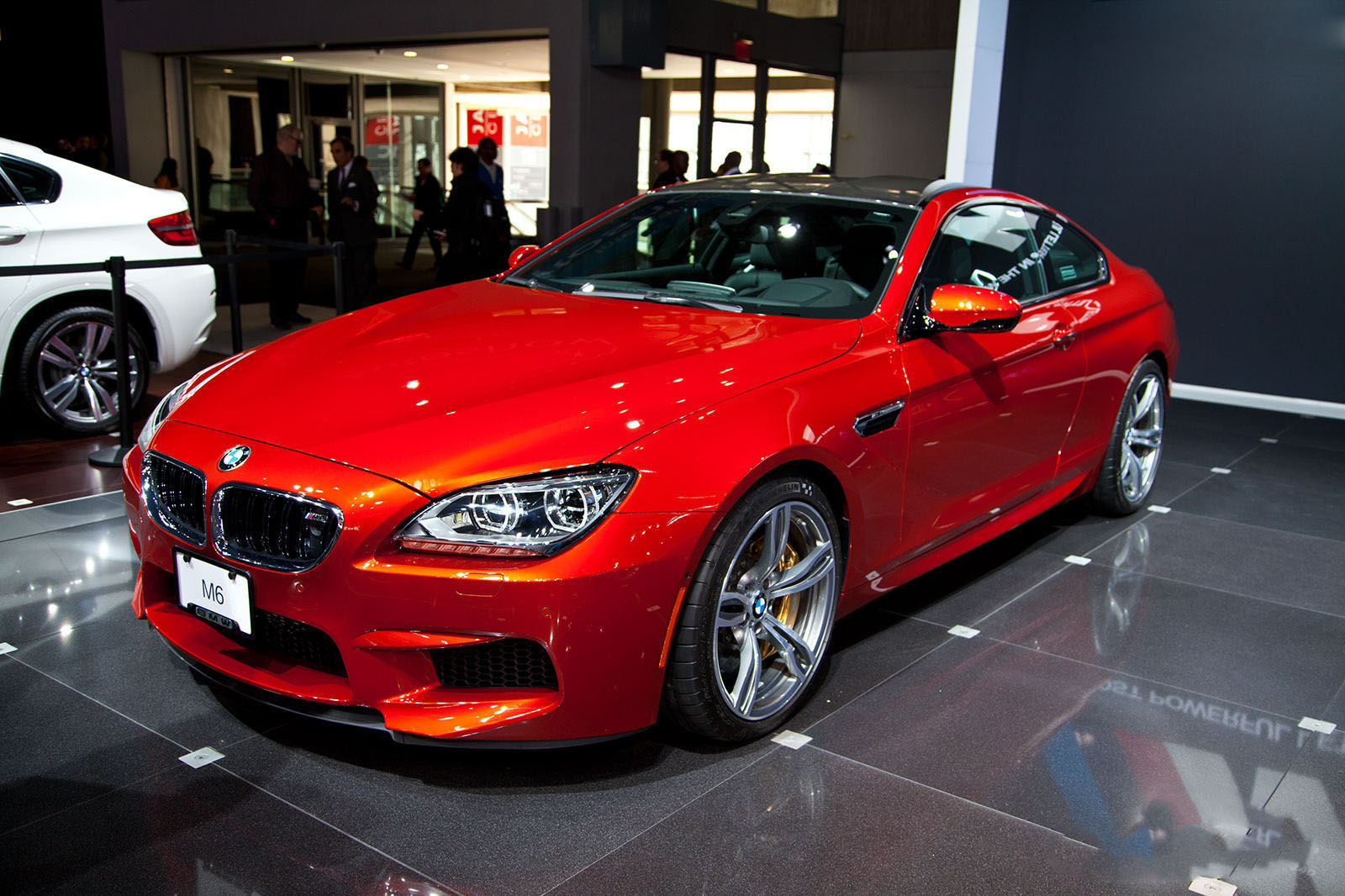 auto 2013 BMW M6 Coupe