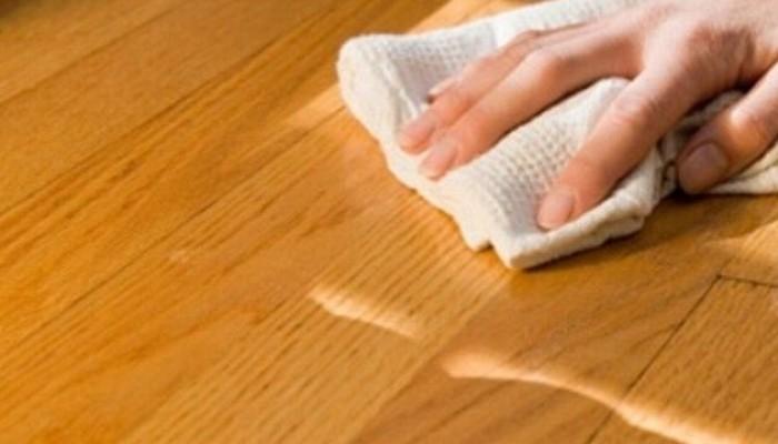 7 trucos para limpiar - Con que limpiar los muebles de madera ...