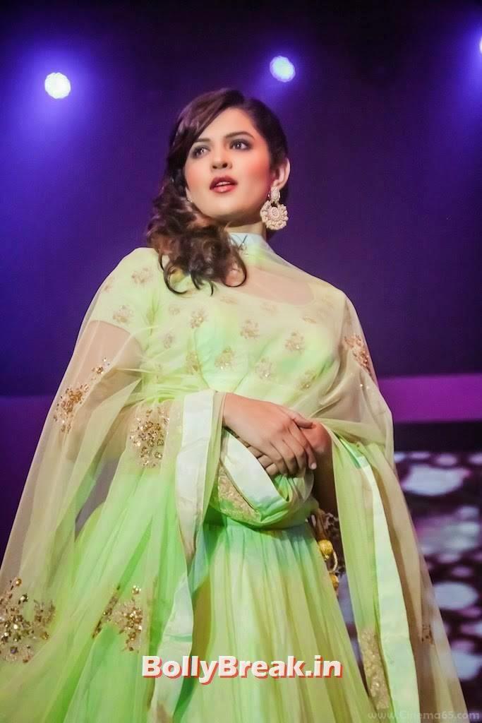 Deeksha Seth Photo Gallery, Deeksha Seth in Green anarkali Dress - Ramp Walk Pics