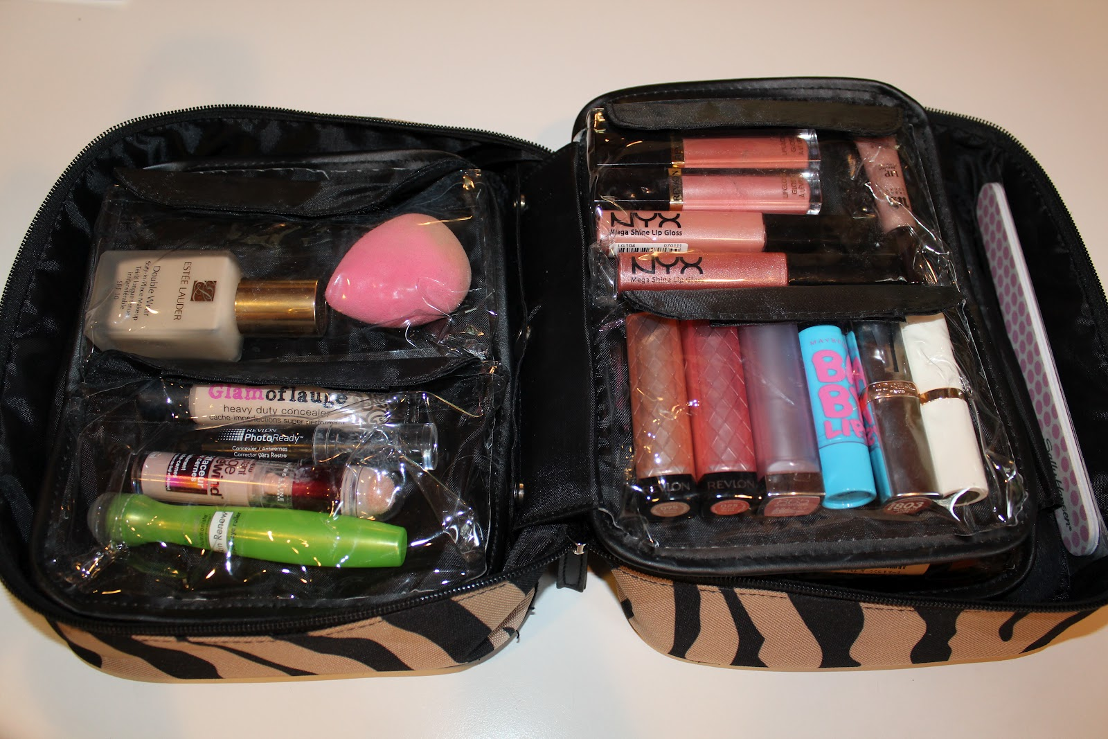 When You Flip The Compartments On Right Over Lip Products This It What See There Are Two Velcro Left And Three Smaller