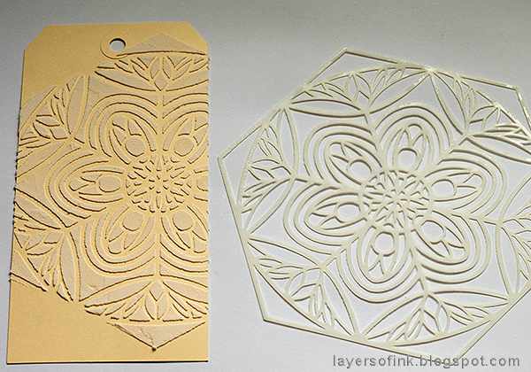 Layers of ink - Textured Ornament Tag Tutorial by Anna-Karin Evaldsson with SSS STAMPtember Harvest stencil