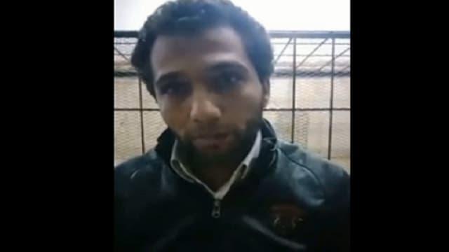 بالفيديو شاب مصرى يقدم بلاغ فى قسم الشرطة بفقدانه حشيش وترامادول وسلاح