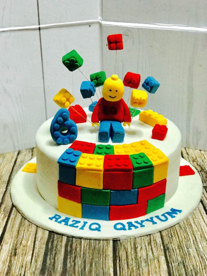 halal wedding cake singapore izah s kitchen lego themed cake halal lego themed cake 15036