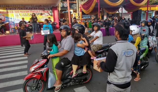 Penggalangan dana dengan konser di jalan