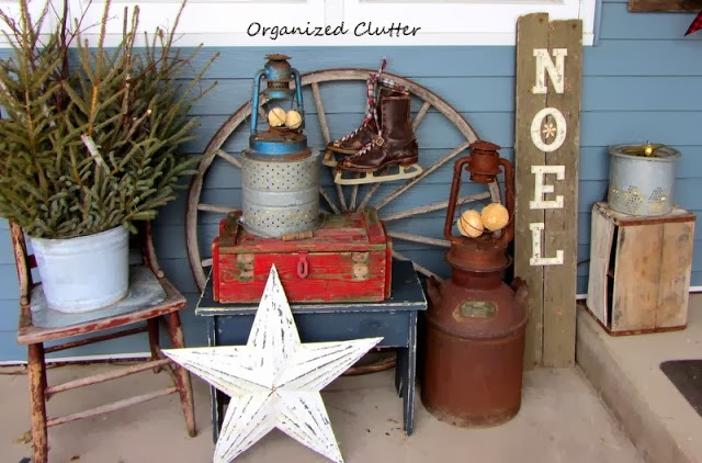 Rustic Outdoor Christmas Vignette