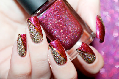 A classy Holiday nail art