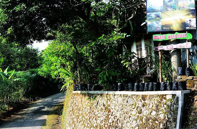 Petunjuk arah ke Watu Tekek, Kulon Progo