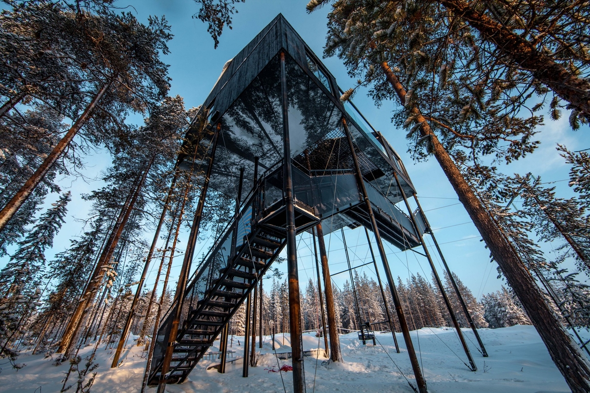 08-Snøhetta-The-7th-Room-Cabin-Architecture-on-Stilts-www-designstack-co