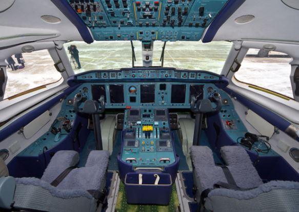 Antonov An-148 cockpit