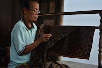 usaha batik, usaha batik rumahan, bisnis batik, bisnis batik rumahan, batik, cara usaha batik, cara usaha batik rumahan, pengrajin batik