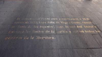 Inscripción frente a la Casa Museo Lope de Vega