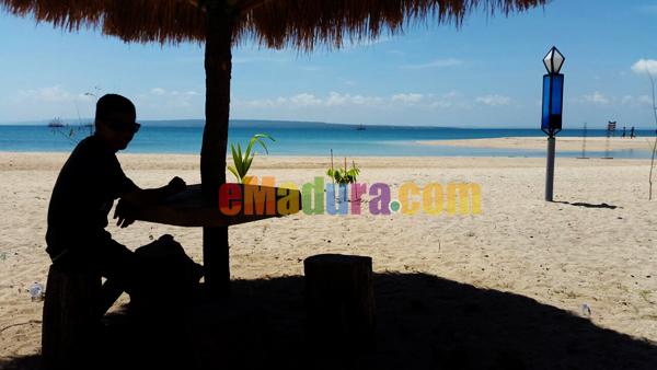 Gambar Pantai Sembilan Sumenep