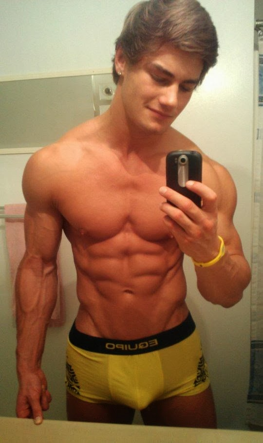 24 year old twink double fisted by muscular top 8