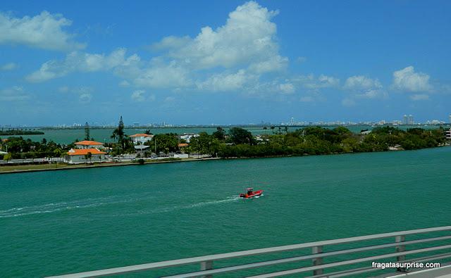 Palm Island, ilha artificial na Baía de Biscayne, Miami