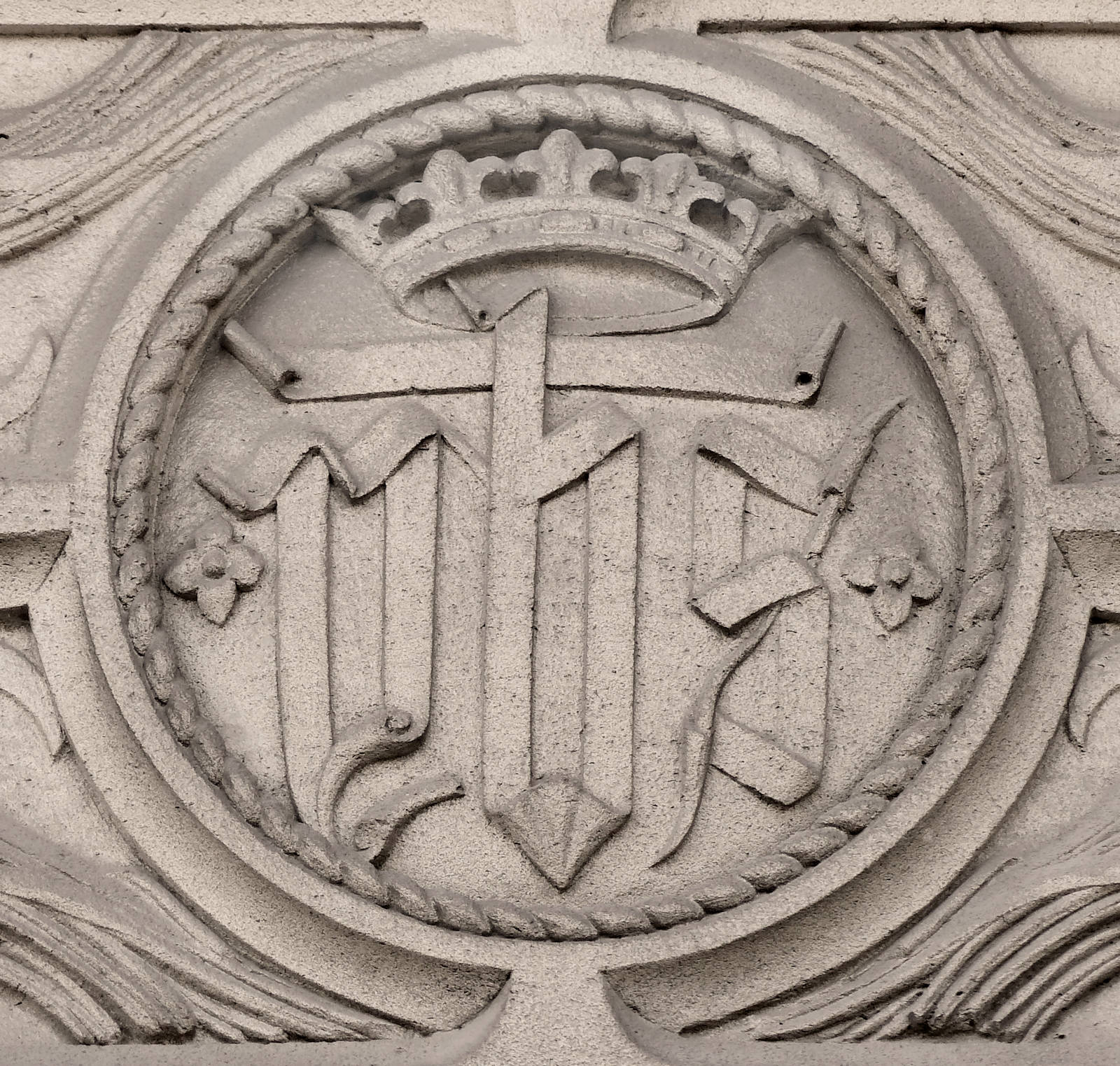 Monogramme YHS - Chapelle du Voeu, Tourcoing