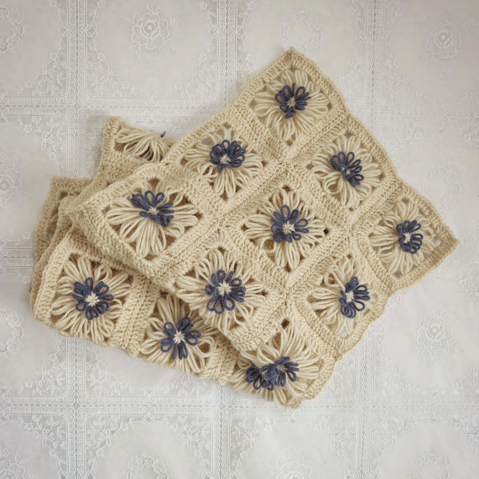 ByHaafner, crochet, flower loom, Hana Ami, Daisies in the Field Scarf
