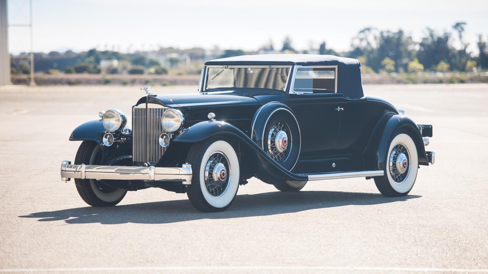 1932 Packard Twin Six Coupe Roadster: $1,210,000