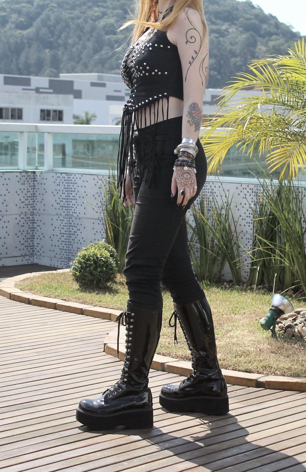 5274b94b72 Santta Tendência  Visual da Blogueira - Metal Woman